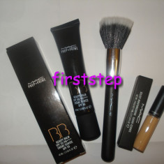 Fond de ten MAC BB prep baza machiaj + prime + pensula MAC rotunda stippling + Anticearcan MAC cache cernee 5 ml
