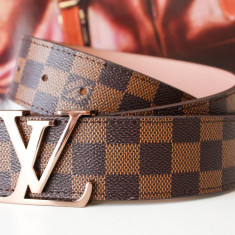 LOUIS VUITTON CUREA PIELE NATURALA UNISEX MODEL DAIMER GRAPHITE MADE IN FRANCE POZE DETALIATE IN DESCRIERE - Curea Barbati Louis Vuitton, curea si catarama