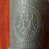 lot 2 bucati -- Pahar din zinc cu ornamente - scene in relief - marcaj - Austria ( Osterreich )  !!!