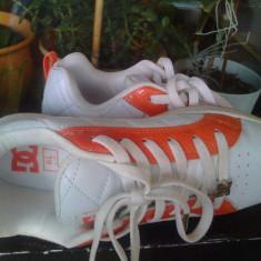 Skate shoes cu ștrasuri DC Alliance originali - Adidasi dama Dc Shoes, Marime: 38.5, Culoare: Alb, Piele naturala
