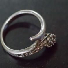 Inel vechi -cap de sarpe cu briliante - argint (9) - Inel argint
