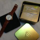 Ceas barbatesc, Lux - elegant, Mecanic-Automatic, Inox, Piele, 2000 - prezent - Ceas Automatic Yves Camani Maxime auriu cu curea maro NOU