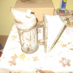 Afumatoare Pompa de fum pt alungat albine - Apicultura