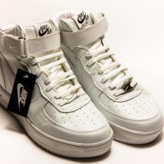 Adidasi dama - Ghete Nike Air Force alb
