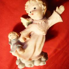 Bibelou - Ingeras cu papusa -portelan, vechi, h=7, 8cm