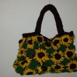 Geanta lucrata manual cu flori (floarea soarelui) - Geanta handmade