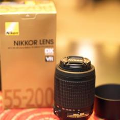 AF-S DX VR Zoom-Nikkor 55-200mm f/4-5.6G IF-ED - Parasolar Obiectiv Foto Nikon