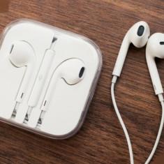 Casti Telefon, Alb, Comenzi pe fir - Casti design Apple cu telecomanda si microfon pentru Apple iPhone 5/5S/4S/4/3G