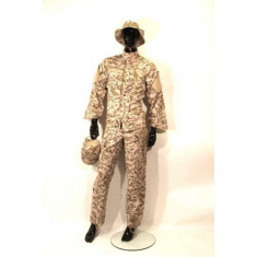 Uniforma militara - Costum camuflaj 4 piese Desert Digital - M [Swiss Arms]