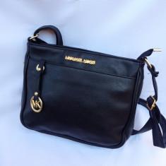 Geanta dama Michael Kors medie neagra, Culoare: Negru, Geanta stil postas, Asemanator piele