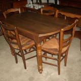 Masa extensibila cu 4 scaune - Mobilier