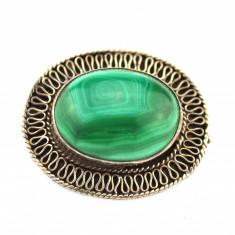 Brosa argint vechi anturaj piatra malachit verde, model retro, design minimalist