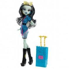 Papusa Mattel Monster High - Plimbarete New - Frankie Stein