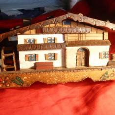 Cutie Muzicala - Macheta Casa lemn cu Moara si Caseta - Germania -inc.sec.XX