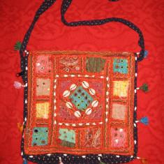 Geanta Dama, Geanta de umar, Panza - TRAISTA textil bleumarin, aplicatii rosu/orange diverse materiale, curea lunga