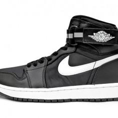 Noi! Bascheti Nike JORDAN 1 HIGH STRAP RETRO, barbati marimea 45 - Adidasi barbati Nike, Culoare: Negru, Piele naturala