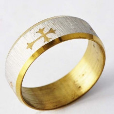 Inel cu cruce imprimata, placat cu aur galben si alb 18K + cutie cadou; marime 9 - Inel placate cu aur