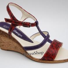 Sandale dama cu platforma din piele naturala Rosu cu Mov mas. 36 - Made in Romania