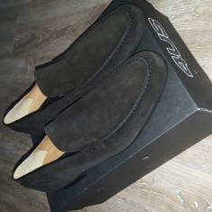 Pantofi barbati - Vand pantofi Cesare Paciotti