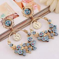 AC1084-4 Cercei lungi aurii, accesorizati cu floricele albastre