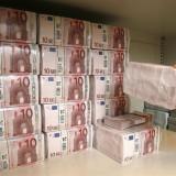 Bani de împrumut între indivizi fără protocol