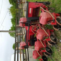 Vand tractor si utilaje agricole-negociabil - Utilitare auto PilotOn
