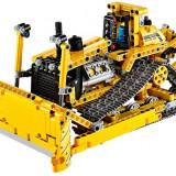 Buldozer (42028) - LEGO Cars