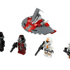 Republic Troopers™ vs Sith™ Troopers (75001)