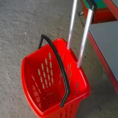 Cosuri de plastic pe roti volum 38L, cu maner rabatabil, pentru magazine
