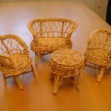 Garnitura mobila din rachita,lemn,veche,pentru papusi,handmade,inaltimea 12cm