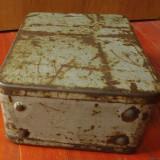 cutie metalica usor deteriorata si uzata pentru aparat - decor industrial !!!