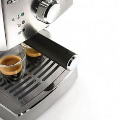 Espressor automat - Espressor Philips HD8427/19 Saeco Poemia manual, 1050W, 15 bari