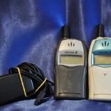 2 Telefoane Ericsson T20s, T20e + incarcator.FUNCTIONAL.Telefon mobil de colectie, Alb, Nu se aplica, Vodafone, Fara procesor