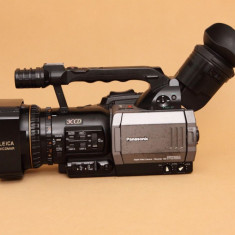 Camera Video Panasonic, Mini DV, sub 3 Mpx, CCD, 10-20x, Peste 4 - Camera video profesionala Panasonic AG-DVX100A vand sau schimb cu Nikon D5300