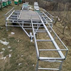 Camion - Remorca apicola 20 de familii