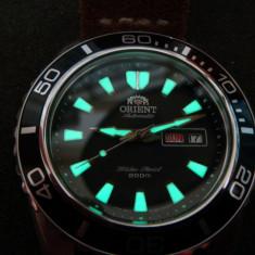 Ceas de mana Orient MAKO XL (SuperLuminova C3 Mod) - Ceas barbatesc Orient, Lux - sport, Mecanic-Automatic, Inox, Piele, Pentru scufundari (Diver)