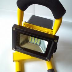 PROIECTOR LAMPA cu LED si STATIV cu acumulator + incarcator de priza - Lampa cu LED Service
