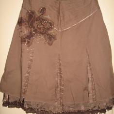 Fusta Vila Clothes cu aplicatie, Mar M, Marime: M, Culoare: Din imagine, Midi, Larga, Bumbac