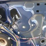 Macara geam completa dr Nissan Micra an 2006 Caroserie 3 usi motor 1, 2b