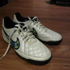 Ghete fotbal - Adidasi Fotbal Nike Tiempo
