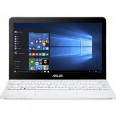 Laptop Asus VivoBook E200HA-FD0007TS 11.6 inch HD Intel Atom x5-Z8300 2GB DDR3 32GB eMMC Windows 10 White