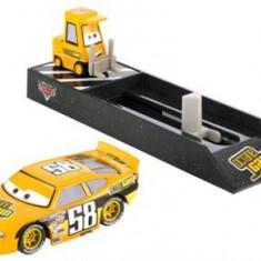 Masinuta Cars Pit Crew Launchers Octain Gain No. 58 - Masinuta electrica copii Mattel