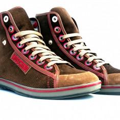 Sneakers MOSCHINO marimea 40 Lichidare Stoc - Ghete barbati Moschino, Culoare: Maro