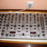 Mixere DJ - Mixer Behringer VMX 1000