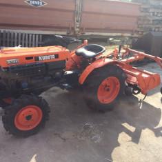 Tractor Kubota B7000 DT - Utilitare auto