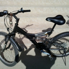 Vand bicicleta de culoare neagra, in stare buna adus din Germania - Mountain Bike Nespecificat, 16 inch, Numar viteze: 7